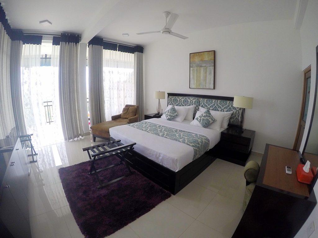 sri-lanka-kandy-hotel
