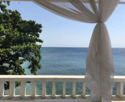 ウブドから3時間かけても行ってみるべき❣️ アメッドの素敵なお宿 アクア テラス(Aqua terrace Amed) ビーチルーム L1のお部屋に2泊